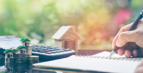property finances calculator (c) Shutterstock / gan chaonan